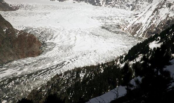 アレッチ氷河「Aletsch Glacier Retreat Continues」:写真・画像(18)[壁紙.com]