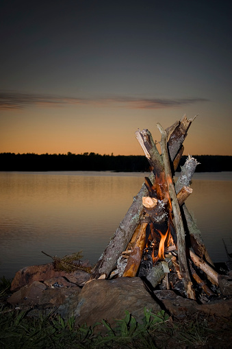 Eco Tourism「Camp fire on the lake」:スマホ壁紙(6)