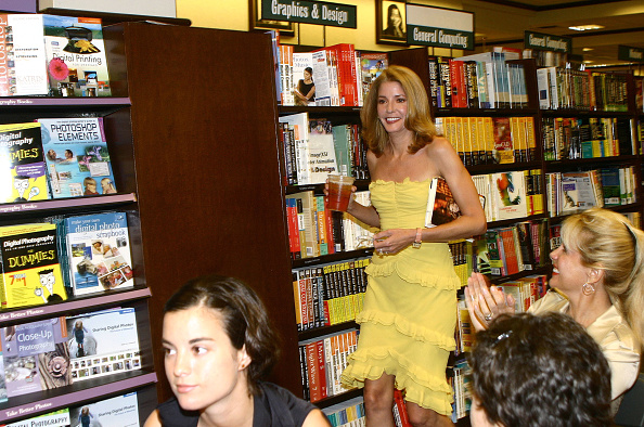 "Book Signing「MIAMI: Candace Bushnell Book Signing of ""Trading Up""」:写真・画像(9)[壁紙.com]"
