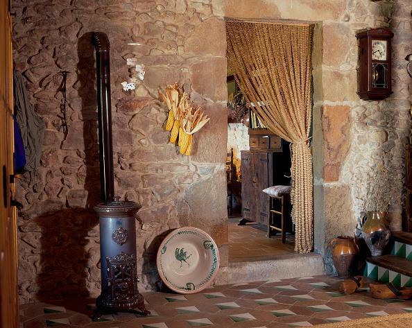 Doorway「View of rustic room」:写真・画像(11)[壁紙.com]