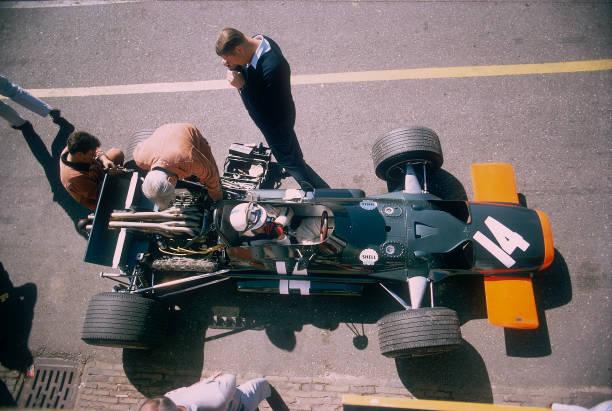 John Surtees in his BRM at the British Grand Prix, Silverstone, Northamptonshire, 1969.:ニュース(壁紙.com)