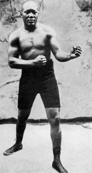 Boxer Jack Johnson「Jack Johnson, the first black world heavyweight boxing champion, 1908 (1951).」:写真・画像(15)[壁紙.com]