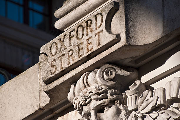'Oxford Street' road sign in stone:スマホ壁紙(壁紙.com)