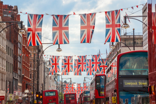 Oxford Street「Oxford Street, Union Jack Flags Buses, London, UK」:スマホ壁紙(17)