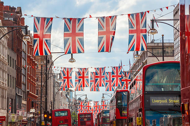 Oxford Street, Union Jack Flags Buses, London, UK:スマホ壁紙(壁紙.com)