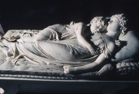 Sculpture「Sleeping Children」:写真・画像(11)[壁紙.com]