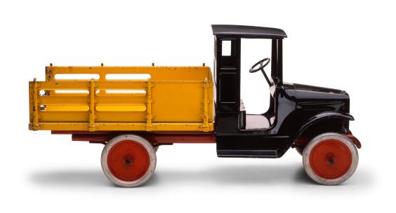 おもちゃのトラック「アンティークのおもちゃのトラック」:スマホ壁紙(1)