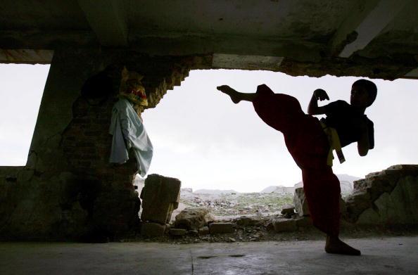 Kabul「Afghans Use War Torn Building For Karate Practice」:写真・画像(7)[壁紙.com]