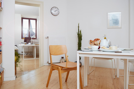 Dining Table「Laid breakfast table in a flat」:スマホ壁紙(1)