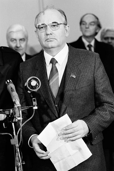 ビジネスと経済「Russian President Mikhail Gorbachev」:写真・画像(18)[壁紙.com]
