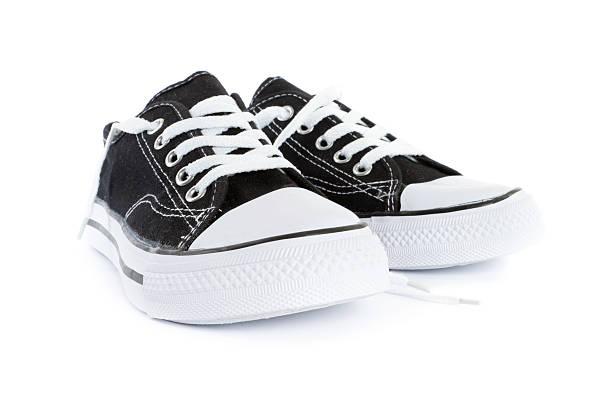 tennis shoes:スマホ壁紙(壁紙.com)