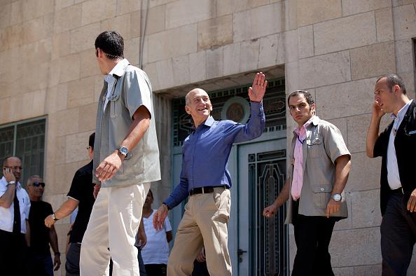 Ehud Olmert「Former Israeli PM Olmert Cleared Of Major Corruption Charges」:写真・画像(9)[壁紙.com]