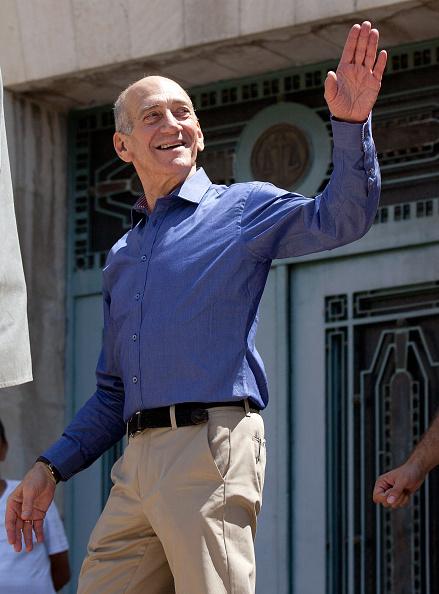 Ehud Olmert「Former Israeli PM Olmert Cleared Of Major Corruption Charges」:写真・画像(8)[壁紙.com]