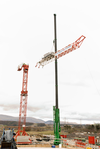 Recycling「Dismantaling the tower crane」:写真・画像(14)[壁紙.com]