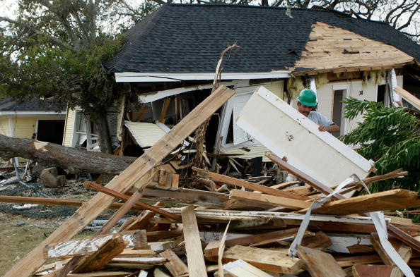 Hurricane Ike「Coastal Texas Faces Heavy Damage After Hurricane Ike」:写真・画像(16)[壁紙.com]