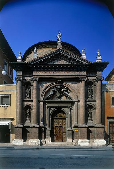 2002「Church facade. Bologna, Italy.」:写真・画像(16)[壁紙.com]