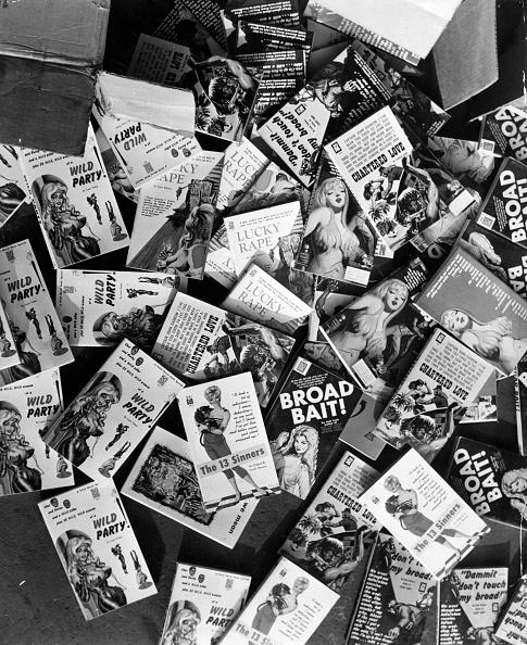 Large Group Of Objects「Obscene Books」:写真・画像(7)[壁紙.com]
