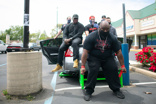 Mark Makela「New Jersey Gym Owner Opens His Gym Despite Recent Violations Amid Coronavirus Pandemic」:写真・画像(4)[壁紙.com]