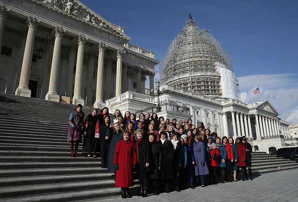 Congress「House Minority Leader Nancy Pelosi Holds Ceremonial Swearing-In For 65 House Democratic Women」:写真・画像(17)[壁紙.com]