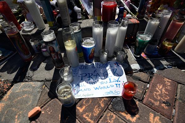 ラスベガス「Las Vegas Mourns After Largest Mass Shooting In U.S. History」:写真・画像(2)[壁紙.com]