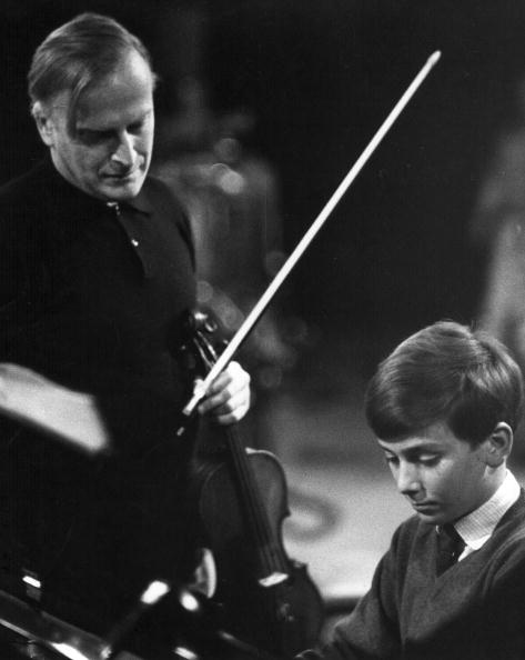 Conductor's Baton「Menuhin And Son」:写真・画像(9)[壁紙.com]