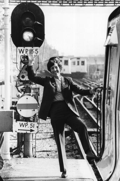 Tube「First Woman Driver」:写真・画像(14)[壁紙.com]