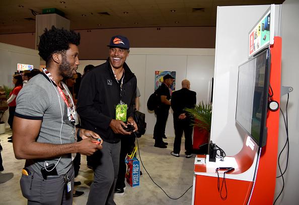 バスケットボール「Nintendo Hosts Celebrities At 2017 E3 Gaming Convention」:写真・画像(10)[壁紙.com]