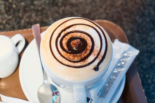 盆「barrista, cappuccino with beautiful chocolate topping design」:スマホ壁紙(10)