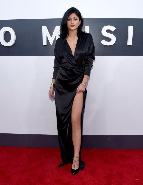 黒「2014 MTV Video Music Awards - Red Carpet」:写真・画像(17)[壁紙.com]