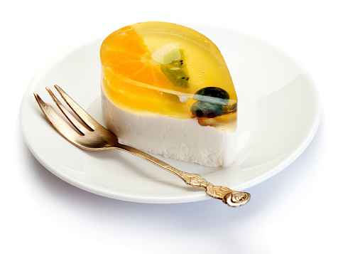 Kiwi「Fruits and jelly cake on white plate」:スマホ壁紙(10)