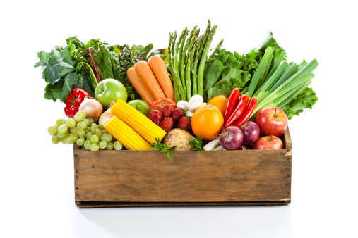 Basket「Fruits and veggies in wood box with white backdrop」:スマホ壁紙(9)