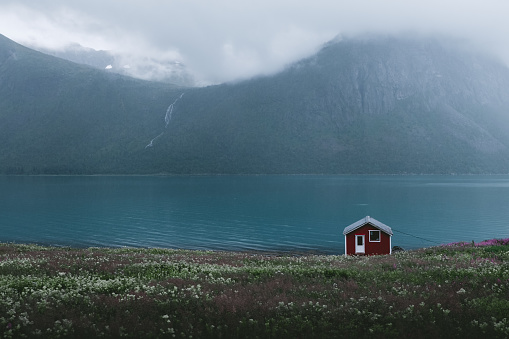 Coastline「Abandoned house staying near beautiful foggy fjord and waterfall in Northern Norway」:スマホ壁紙(2)