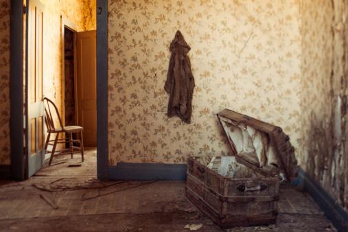 California「Abandoned house」:スマホ壁紙(10)