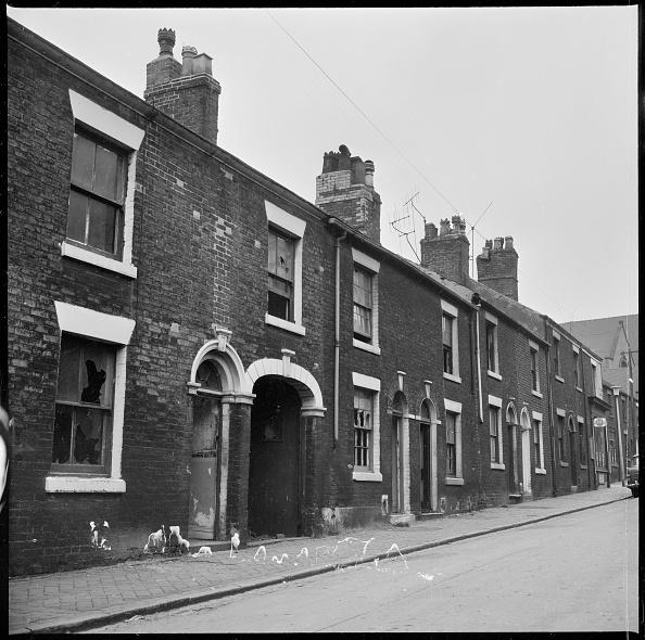 Rotting「Abandoned Houses In A Terraced Street」:写真・画像(14)[壁紙.com]