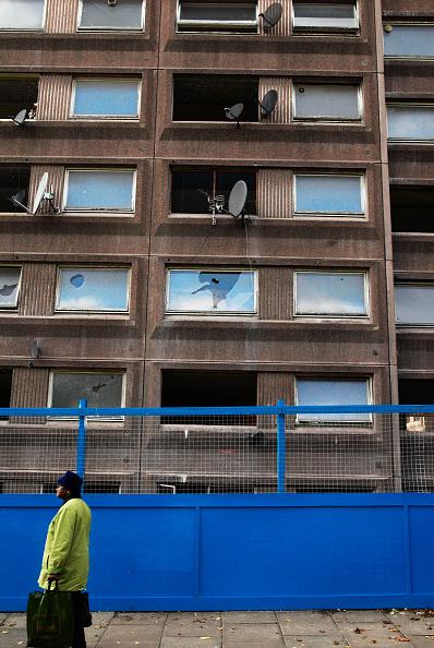 Full Frame「Abandoned housing block soon to be demolished, North London, UK」:写真・画像(13)[壁紙.com]