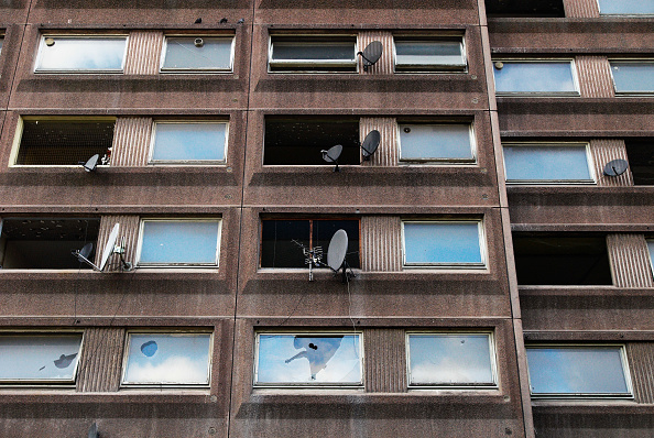 Vitality「Abandoned housing block soon to be demolished, North London, UK」:写真・画像(12)[壁紙.com]