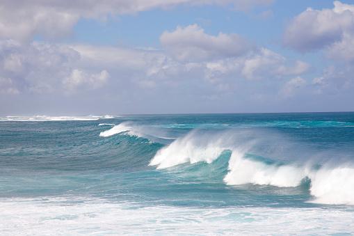 オアフ島「Continuous wave in late afternoon, Hawaii」:スマホ壁紙(19)