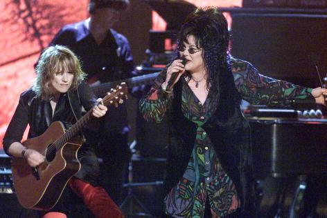 ギター「Women Rock! Girls & Guitars」:写真・画像(6)[壁紙.com]