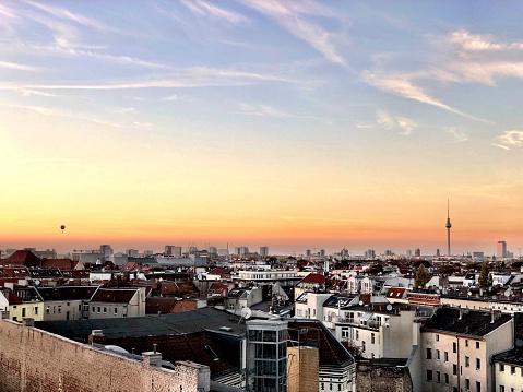 Urban Skyline「Rooftop Bar Klunkerkranich」:スマホ壁紙(11)