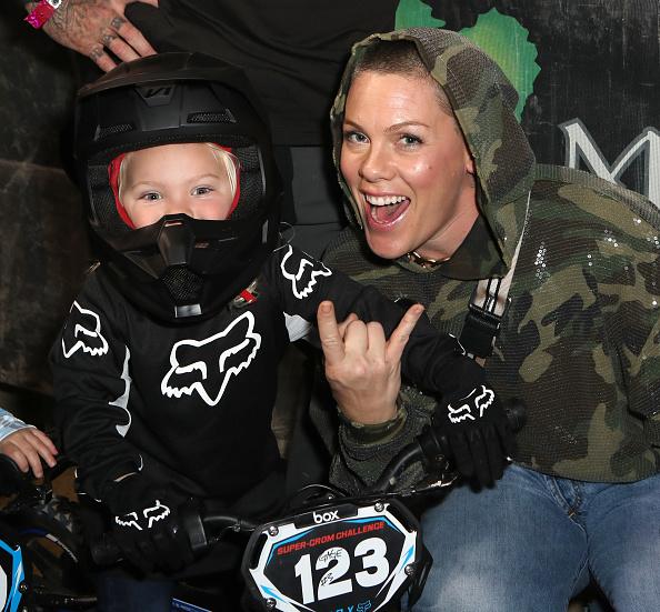 Son「Monster Energy Supercross VIP Event」:写真・画像(11)[壁紙.com]