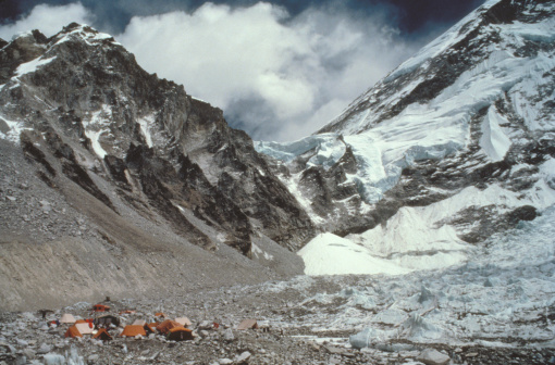 Khumbu「Tents on a snowy mountain,  Mount Everest base camp,  Khumbu Glacier,  Nepal」:スマホ壁紙(6)