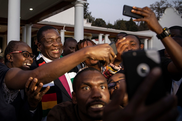 Photography Themes「Zimbabwe Reacts After Emmerson Mnangagwa Declared Winner Of The Presidential Election」:写真・画像(5)[壁紙.com]