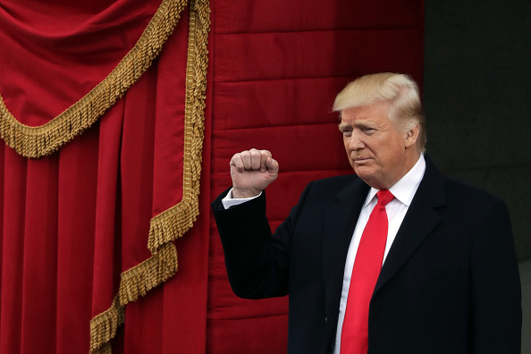 Gesturing「Donald Trump Is Sworn In As 45th President Of The United States」:写真・画像(17)[壁紙.com]