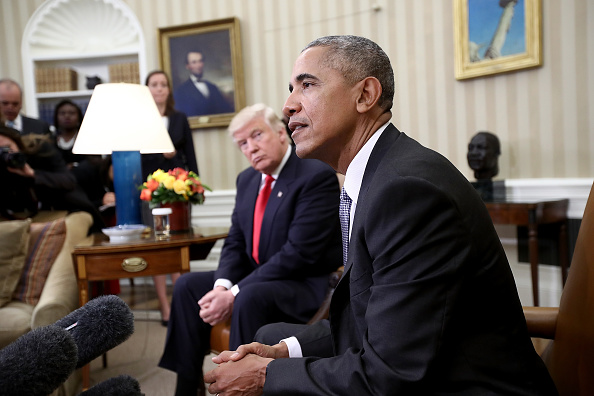 Meeting「President Obama Meets With President-Elect Donald Trump In The Oval Office Of White House」:写真・画像(16)[壁紙.com]