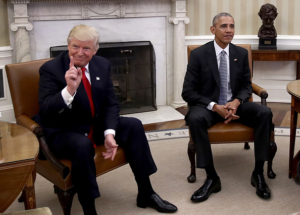 Barack Obama「President Obama Meets With President-Elect Donald Trump In The Oval Office Of White House」:写真・画像(19)[壁紙.com]