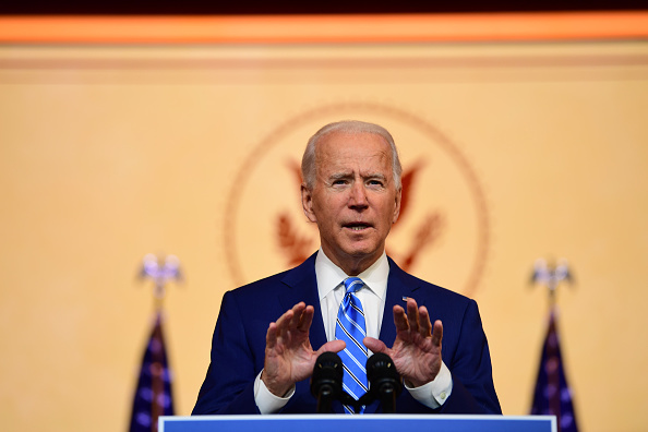 Looking At Camera「President-Elect Biden Delivers Thanksgiving Address In Wilmington」:写真・画像(18)[壁紙.com]