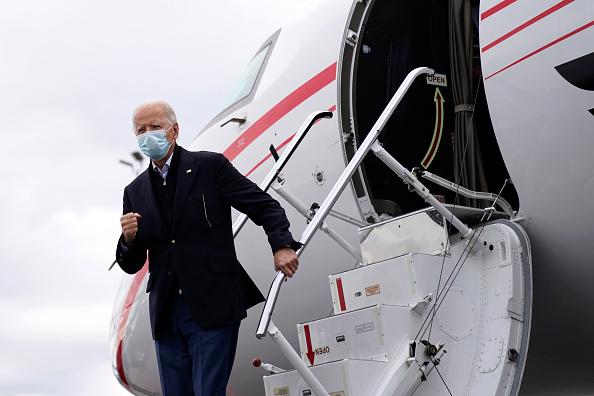 Hartsfield-Jackson Atlanta International Airport「President-Elect Joe Biden Campaigns For Georgia Senate Candidates Ossoff And Warnock」:写真・画像(15)[壁紙.com]