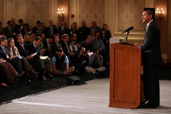 Press Room「President-Elect Obama Meets With The Transition Economic Advisory Board」:写真・画像(13)[壁紙.com]