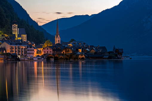 Dachstein Mountains「Hallstatt by night」:スマホ壁紙(12)