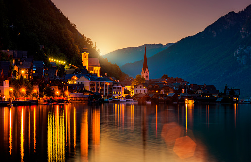 Dachstein Mountains「Hallstatt by night」:スマホ壁紙(1)